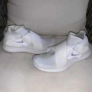 Nike Running Shoes Size 5.5